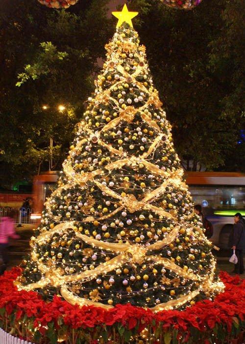 albero di natale decorato fashioniamoci
