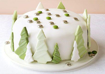 torta di natale con alberi in mmf