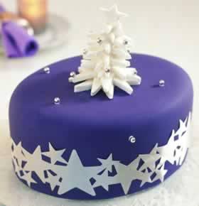 torta di natale con pasta di zucchero blu