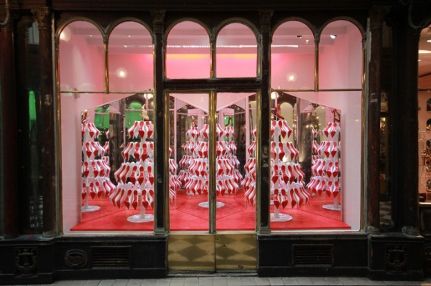 window christmas louboutin 2012