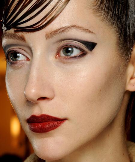 make up armani 4