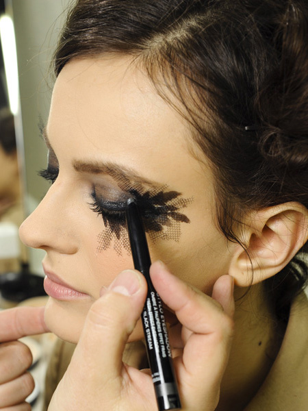 make up chanel 5