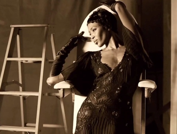 Naomi-Campbell-Vogue italia febbraio 2013 .