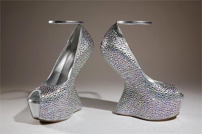 silver textured no heel bootie