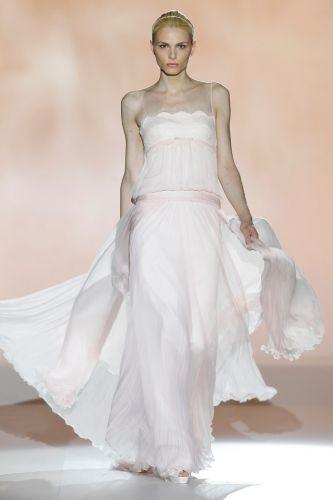 abito da sposa rosa chiaro