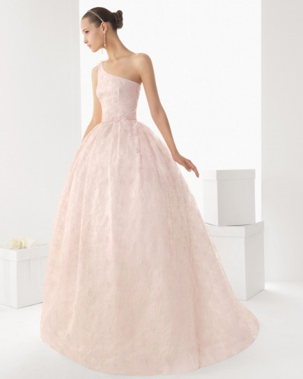 abito da sposa rosa in pizzo