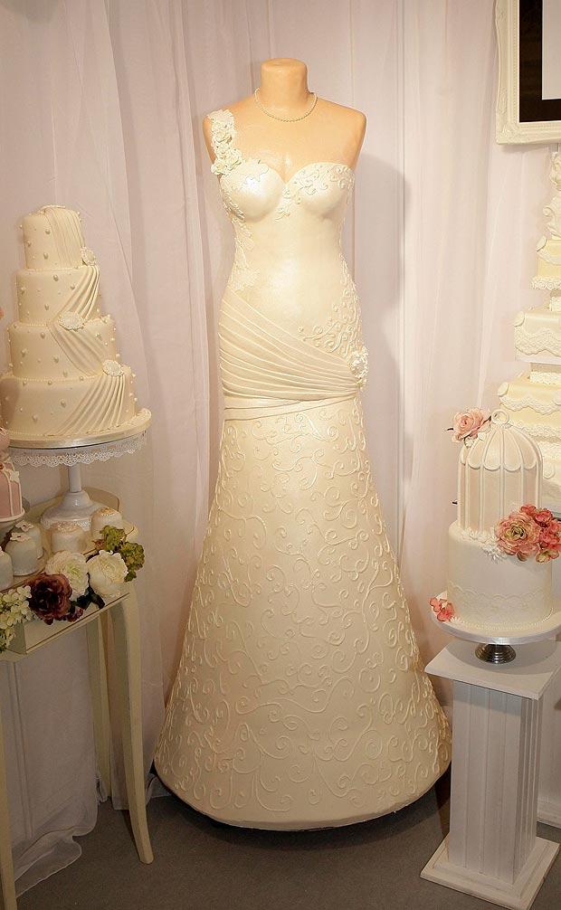 torta matrimonio ad abito da sposa