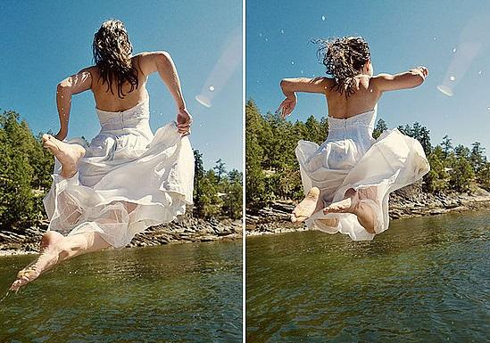 sposa tuffo in acqua