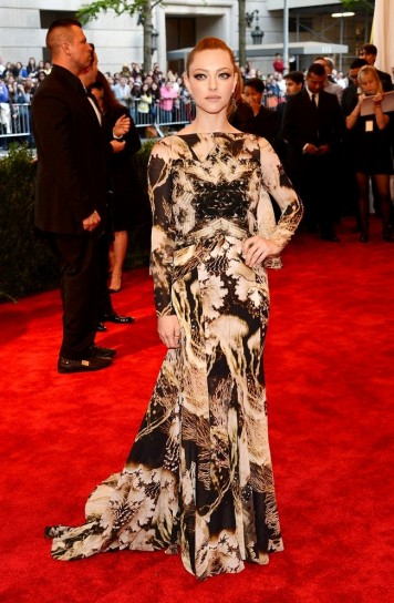 amanda seyfried in givenchy met gala 2013