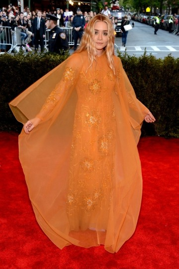 ashley-olsen-in vintage dior met gala 2013
