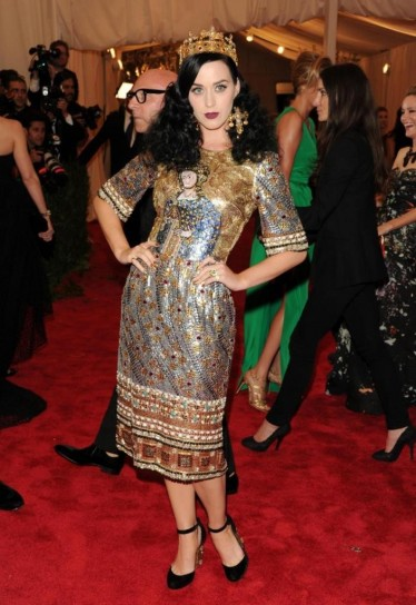 katy-perry-in-dolce-e-gabbana met gala 2013