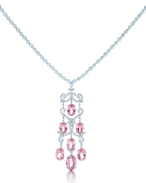 TIFFANY-DIAMOND-AND-MORGANITE-NECKLACE-FROM-THE-2013-BLUE-BOOK-COLLECTION