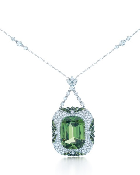 TIFFANY-DIAMOND-AND-TSAVORITE-PENDANT-FROM-THE-2013-BLUE-BOOK-COLLECTION_2