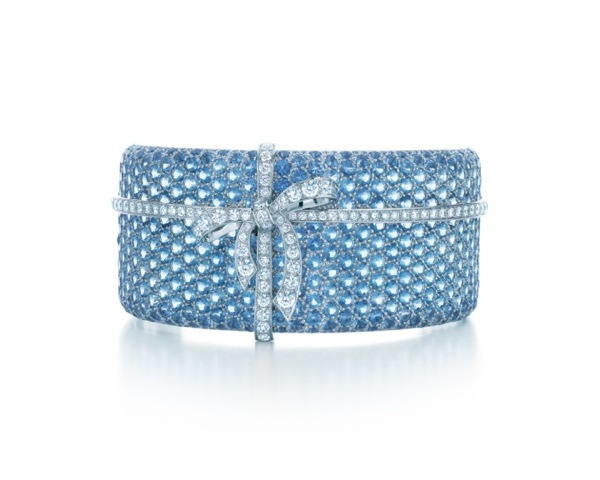 TIFFANY-DIAMOND-BOW-BRACELET-FROM-THE-2013-BLUE-BOOK-COLLECTION