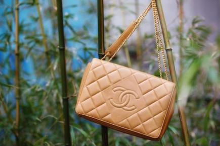 Diamond-bag-Chanel-05