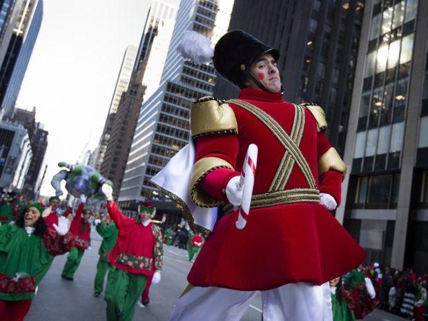 1385664364001-AP-Thanksgiving-Day-Parade2