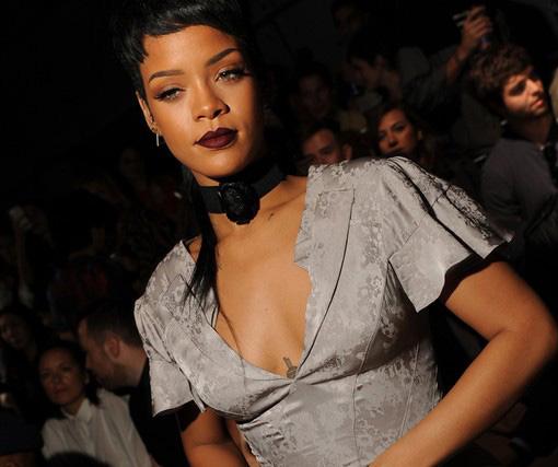 MAC-Viva-Glam-Rihanna-2014