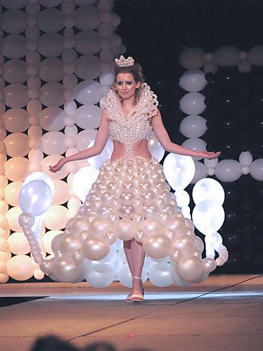 abito da sposa palloncini