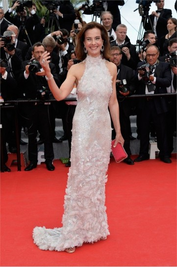 carole-bouquet-in-chanel-couture
