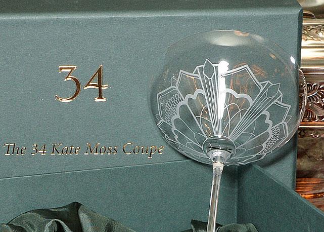 kate-moss coppa champagne