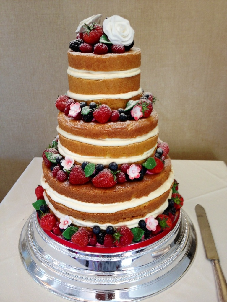 wedding nude cake 5