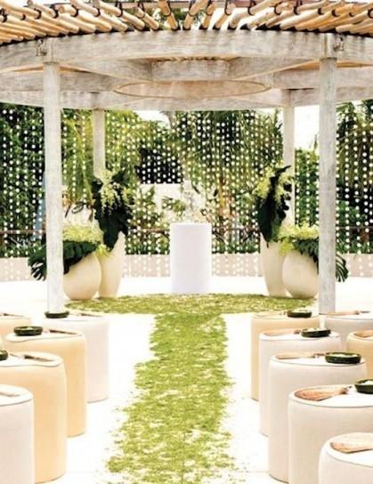 altare matrimonio con giochi di luce