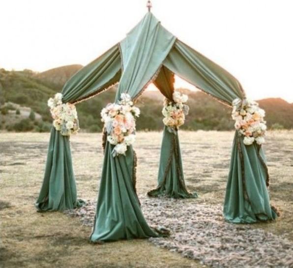 altare matrimonio con tende