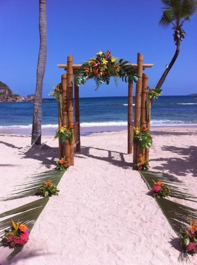 altare matrimonio tropicale