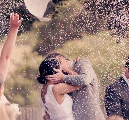 matrimonio lancio petali di lavanda