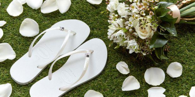wedding havaians con spilla