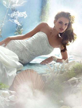 abito-sposa-aderente-ariel-disney-alfredo-angelo
