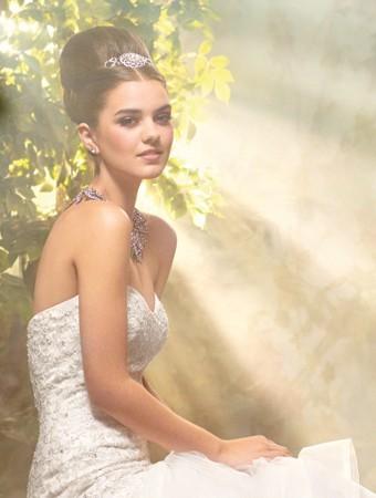 cenerentola-chic-alfredo-angelo-wedding-dress