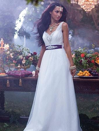 disney.bridal-jasmine-wedding-dress-alfredo angelo