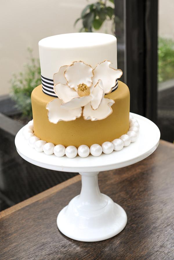 WEDDDING-CAKE- OAK BUFF 2015