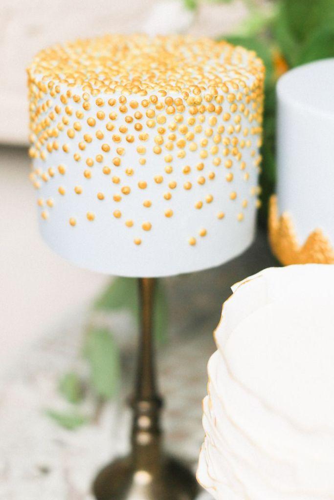 WEDDING-CAKE- PARL-OAK-BUFF