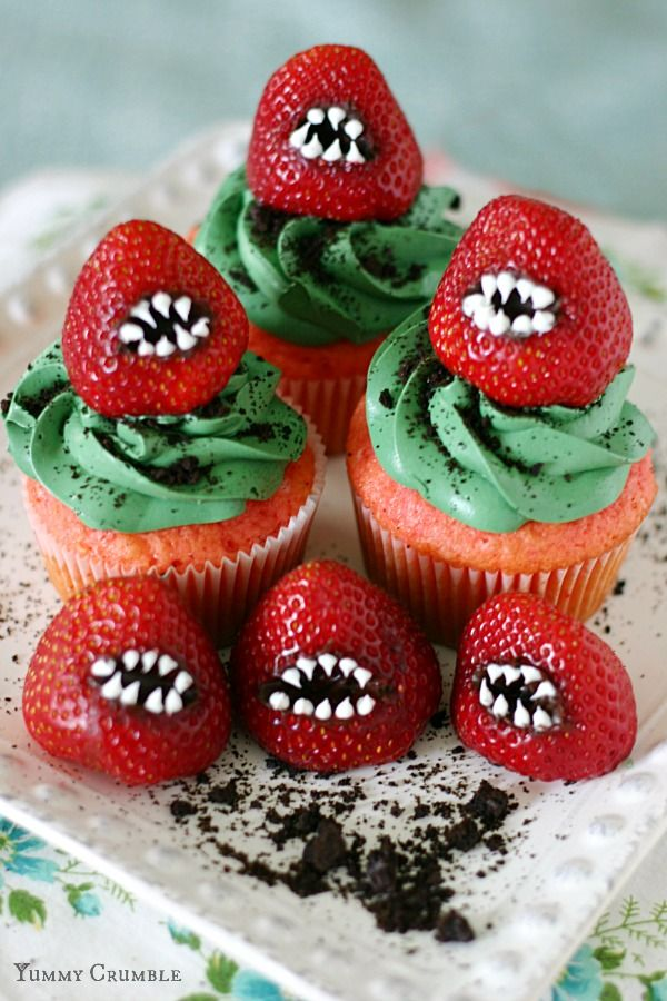 halloween-cupcake- strawberry-2015