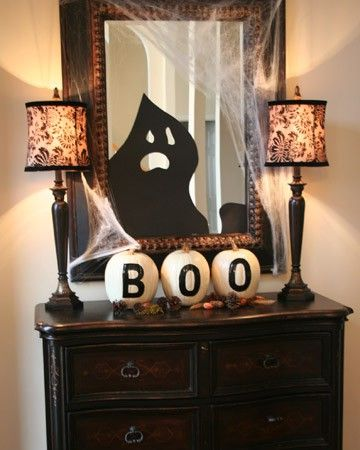 halloween-decoration-boo