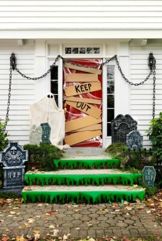 halloween-derco-door
