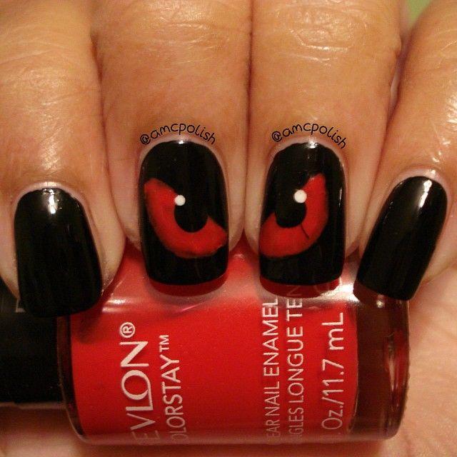 unghie-halloween-occhi-rossi