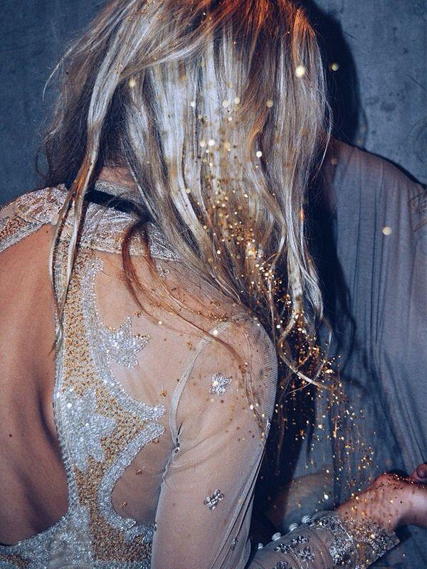 glitter-hair-gold