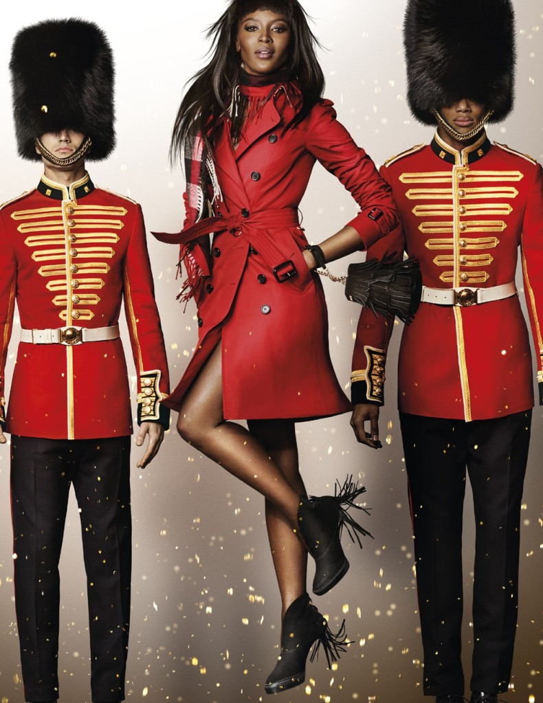 naomi_campbell-campagna-natale-burberry-2015