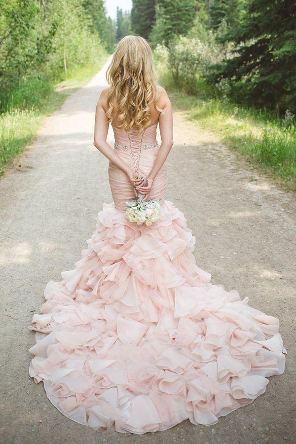wedding-dress-pantone-rose-quartz
