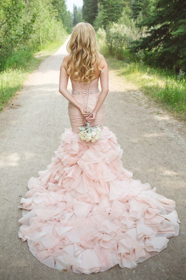 wedding-dress-pantone-rose-quartz