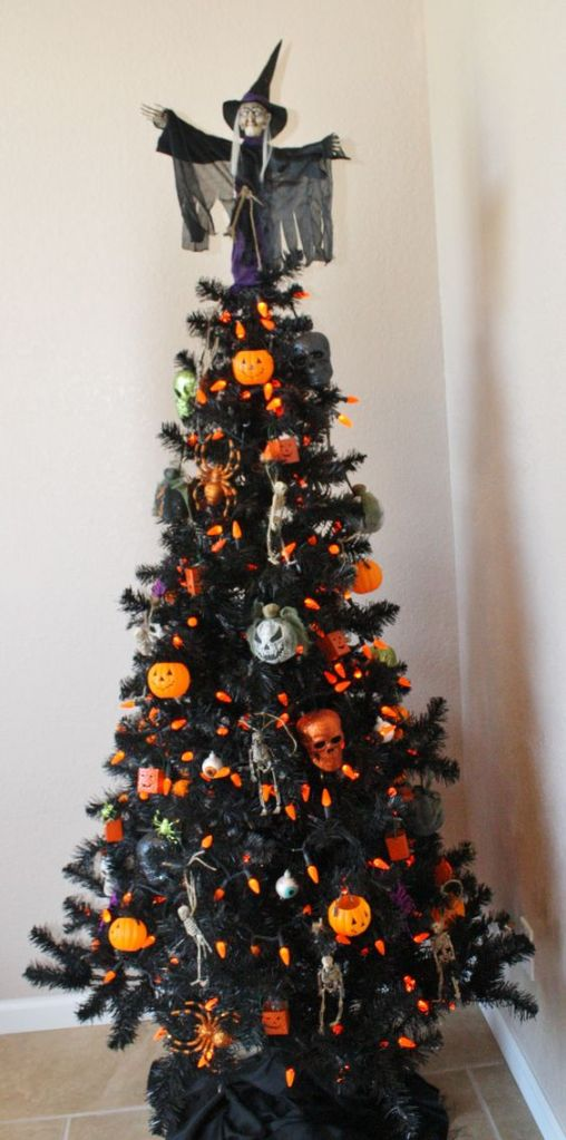 christmas-halloween-tree-2016