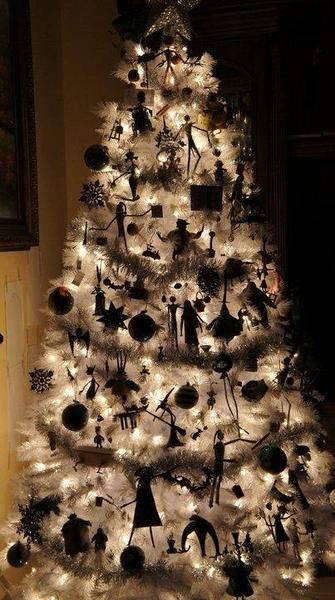 christmas-tree-halloween-2016