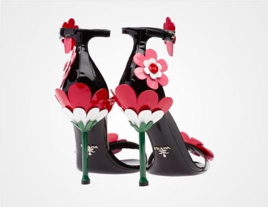 prada-sandali-fiore-tacco